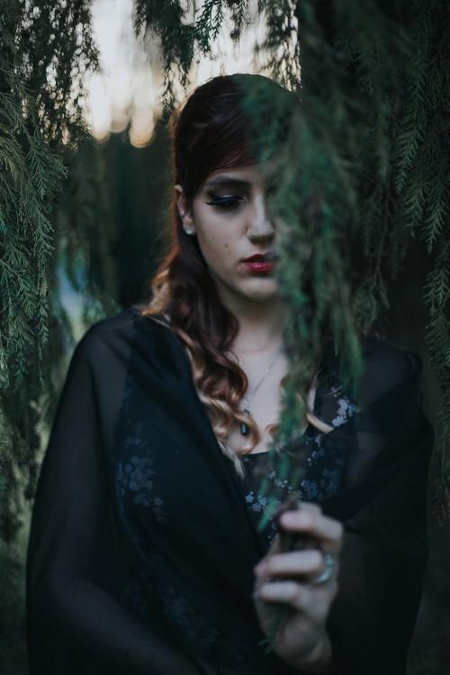 Ashley,Graveyard,Bellingham,WAElsa&CoPhotography(62of84)