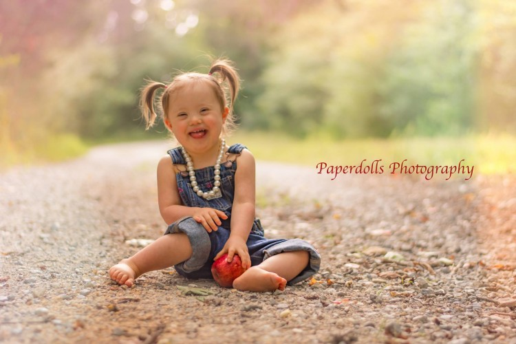 Photo of young girl smiling