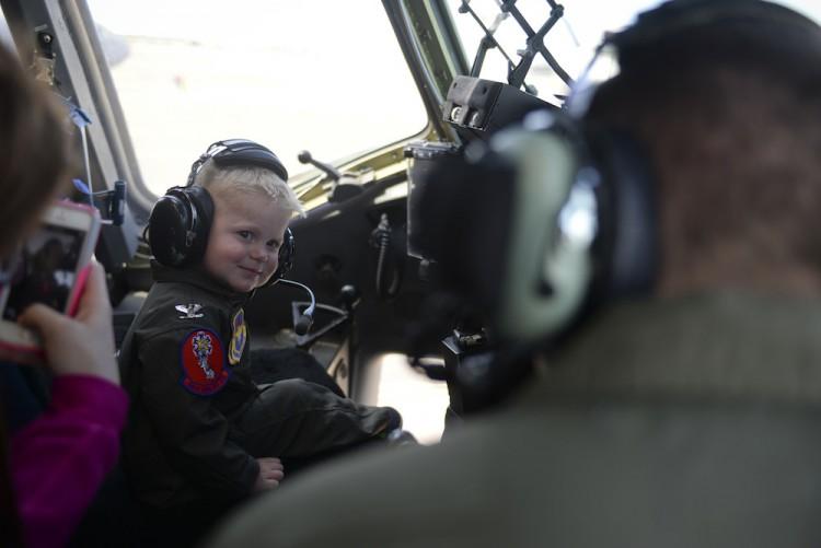 Cancer survivor becomes pilot for a day