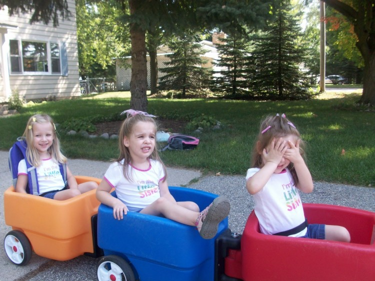 three sisters in play cars