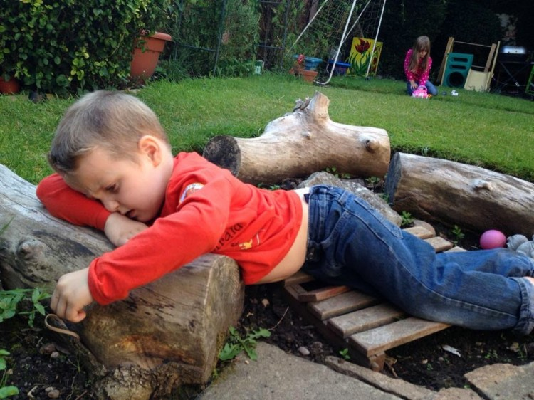 aiden on log