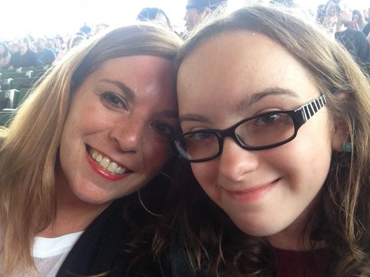 Kerri and Shea at the Train Concert