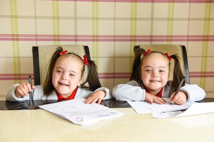 Downs Twins Start Main Stream Primary School