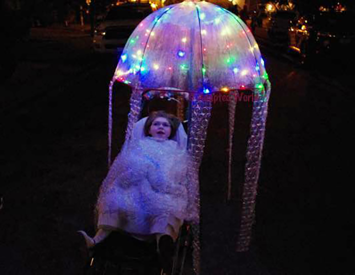16 Incredibly Clever Halloween Costumes For Wheelchair