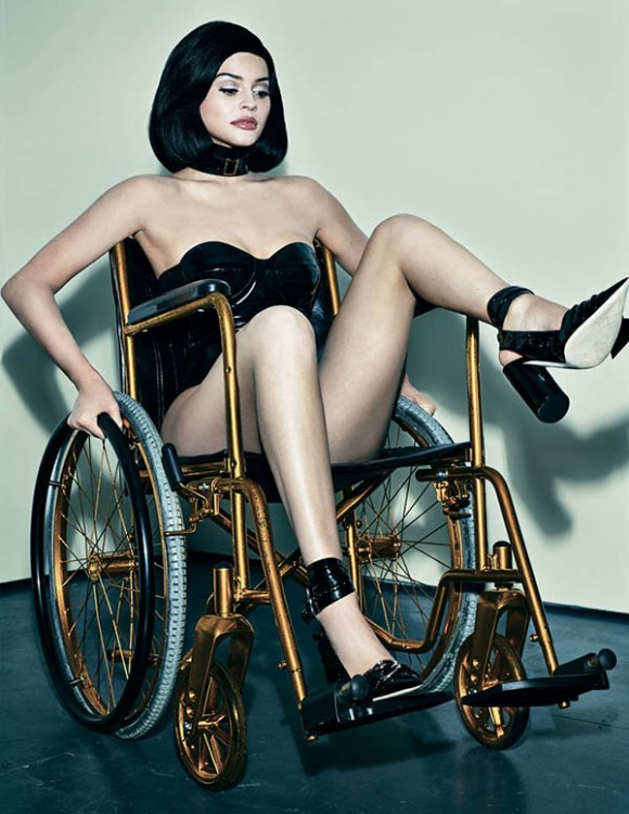 kylie-jenner-wheelchair-1