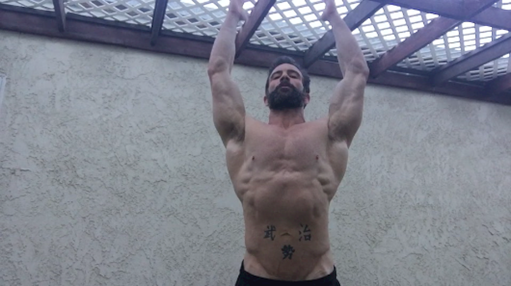chris albert doing pull ups