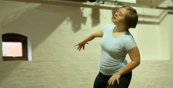 Hannah Sampson dancing