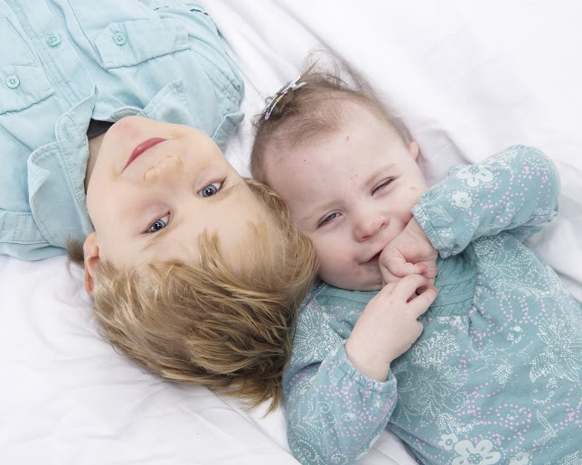 professional photo of young brother and sister