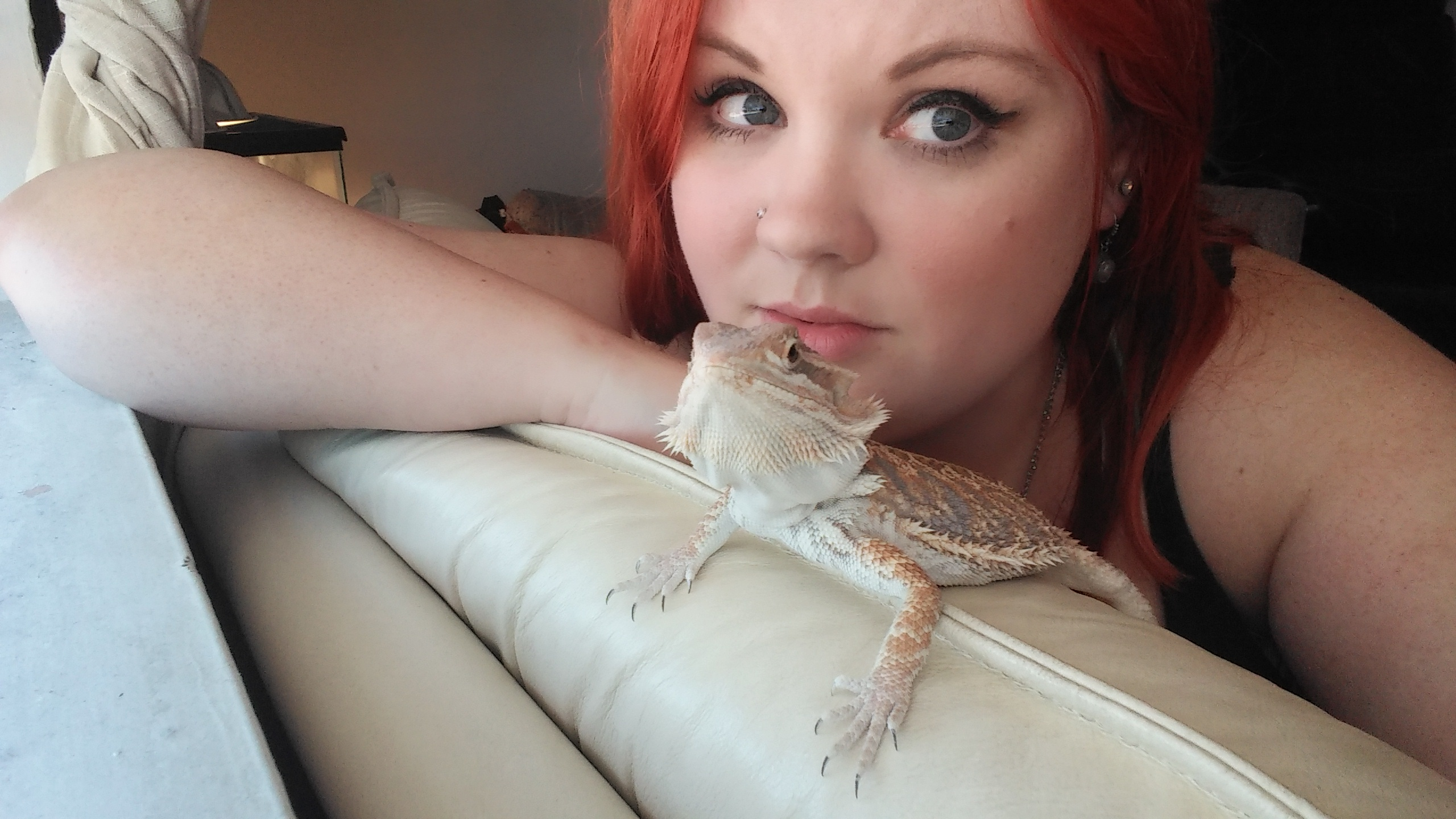 The author with Drogon, her pet bearded dragon