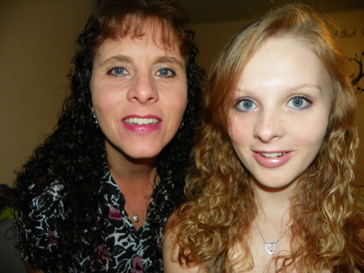 cheyanne perry with her mom