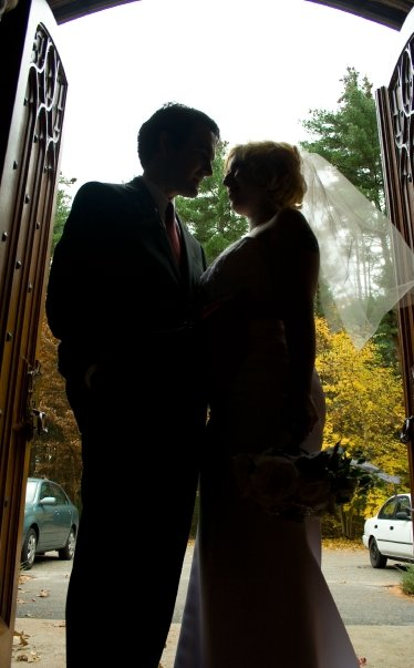 silhouette of couple on wedding day