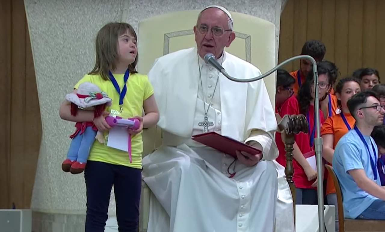 pope francis with girl with down syndrome