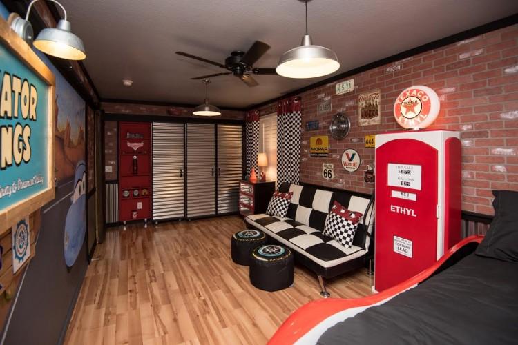 Shonalisa's new room
