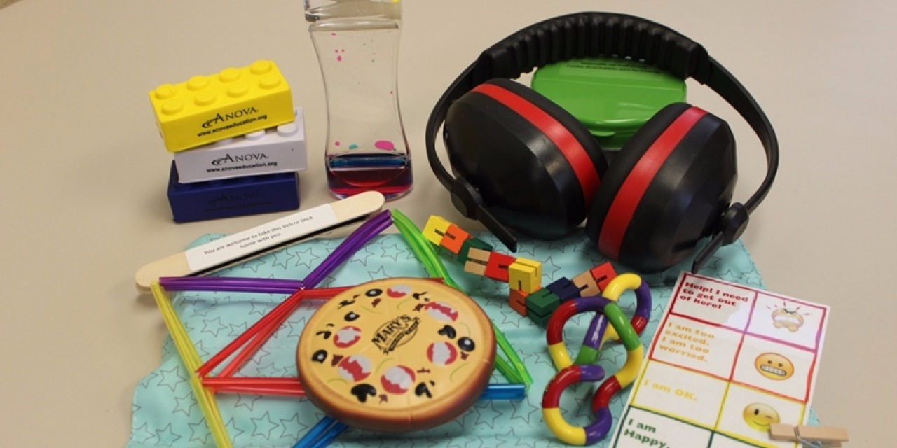 These Sensory-Friendly Kits Can Help People With Autism Avoid Meltdowns at Restaurants