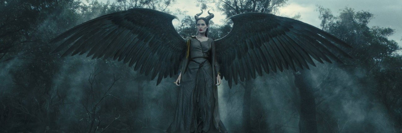 angelina jolie as maleficent in 2014 disney movie