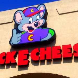 Chuck E. Cheese's storefront sign
