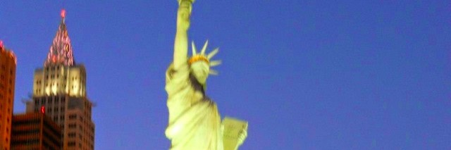 a picture of the Statue of Liberty