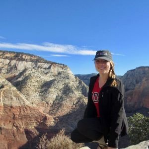 girl at the grand canyon