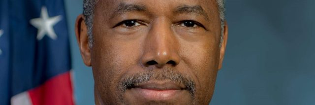 Ben Carson official portrait as HUD secretary.