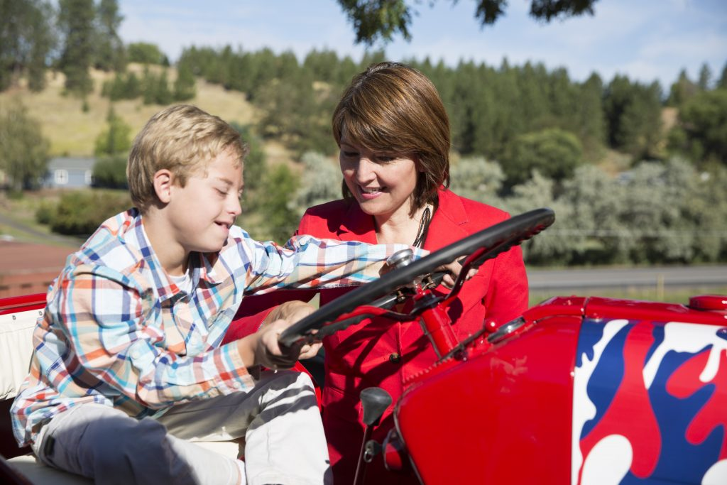 Senator Cathy McMorris Rodgers with her son, Cole