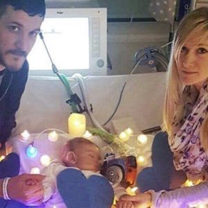 Photo of Charlie Gard and his parents