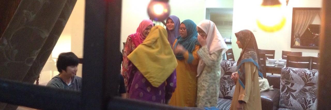 Muslim woman wearing headscarfs