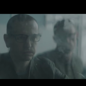 chester in linkin park video