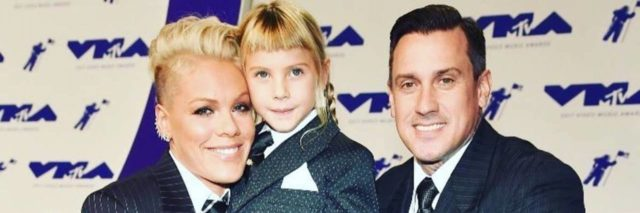 Singer pink with her daughter and partner at awards
