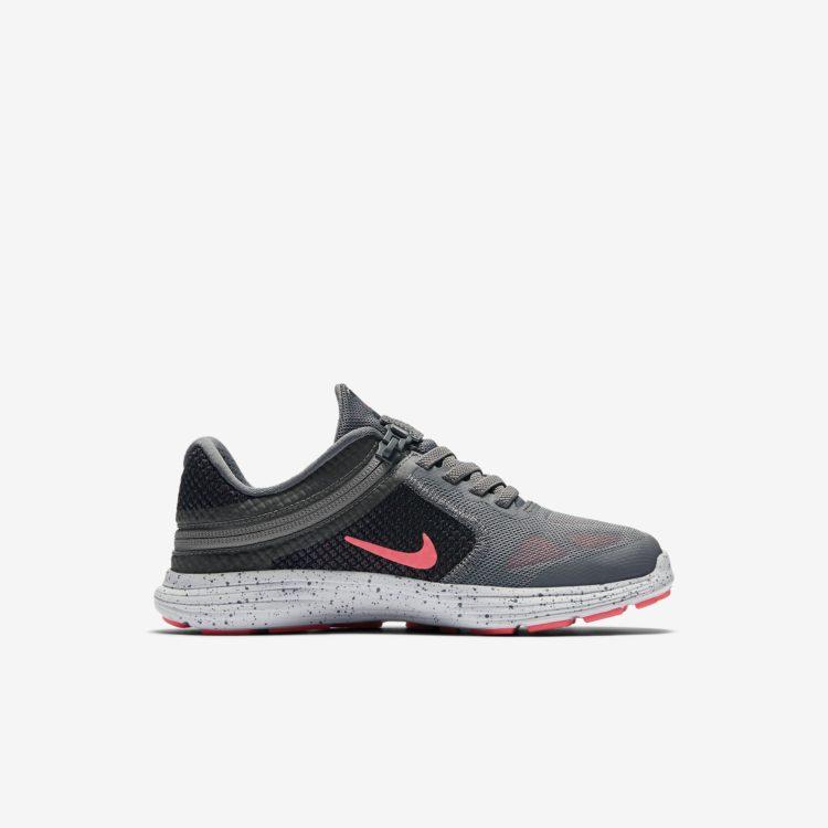 Nike Revolution  Flyease Little Kids Running Shoe