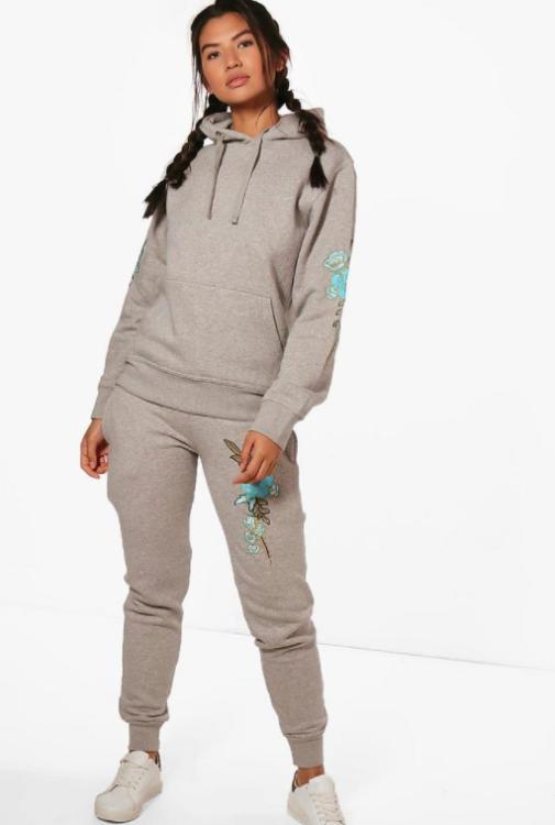 boohoo brand gray sweatshirt and sweatpants
