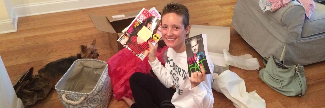 Jessica Sliwerski holding magazines