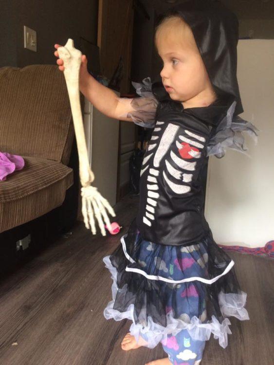 Scarlette Tipton skeleton costume 1