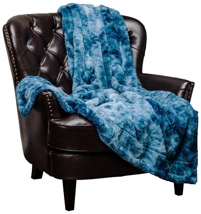 fuzzy blue throw blanket