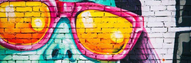 woman mural sun glasses