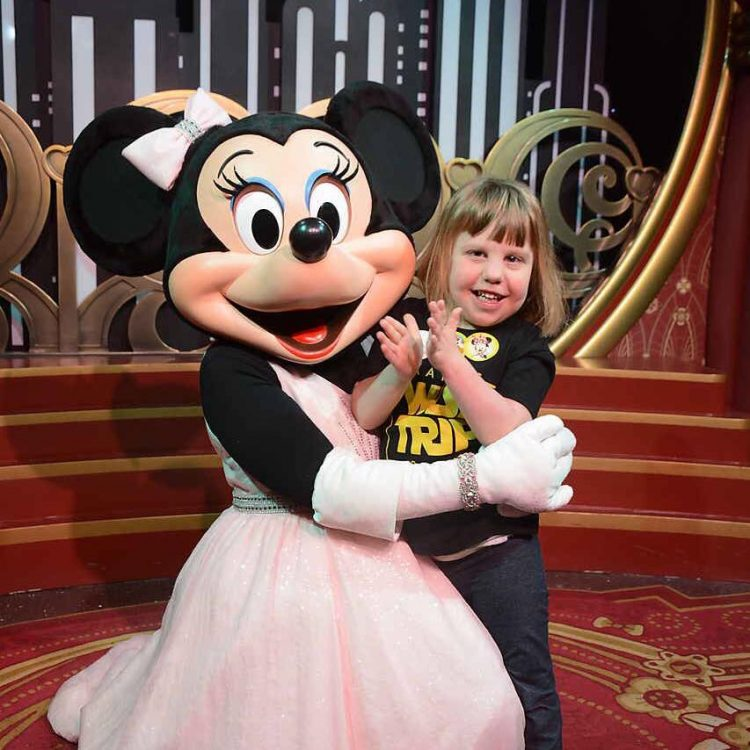 kate with Minnie Mouse