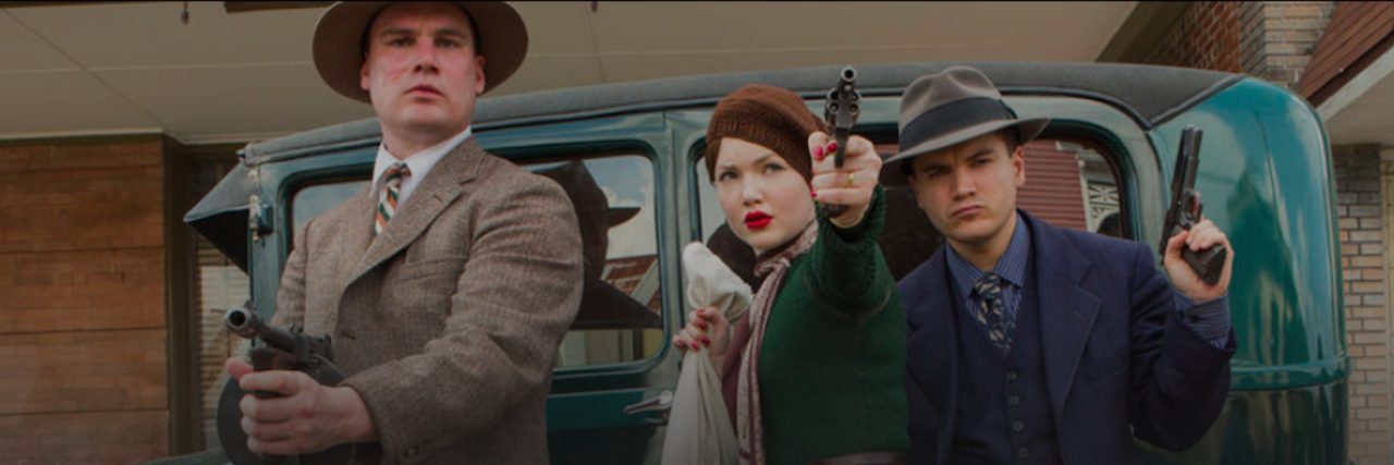 bonnie and clyde with guns drawn