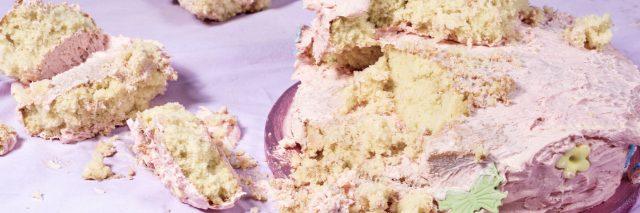 Smashed pink cake