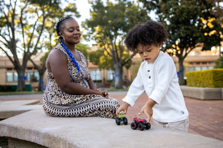 Nakenya Allen's son Landon plays with toy cars in Martinez, California. Martin do Nascimento / Resolve Magazine