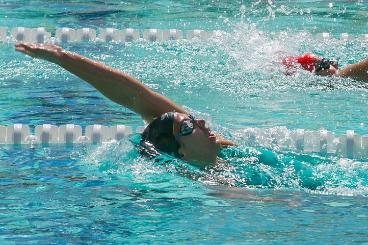 Kathleen Baker swimming